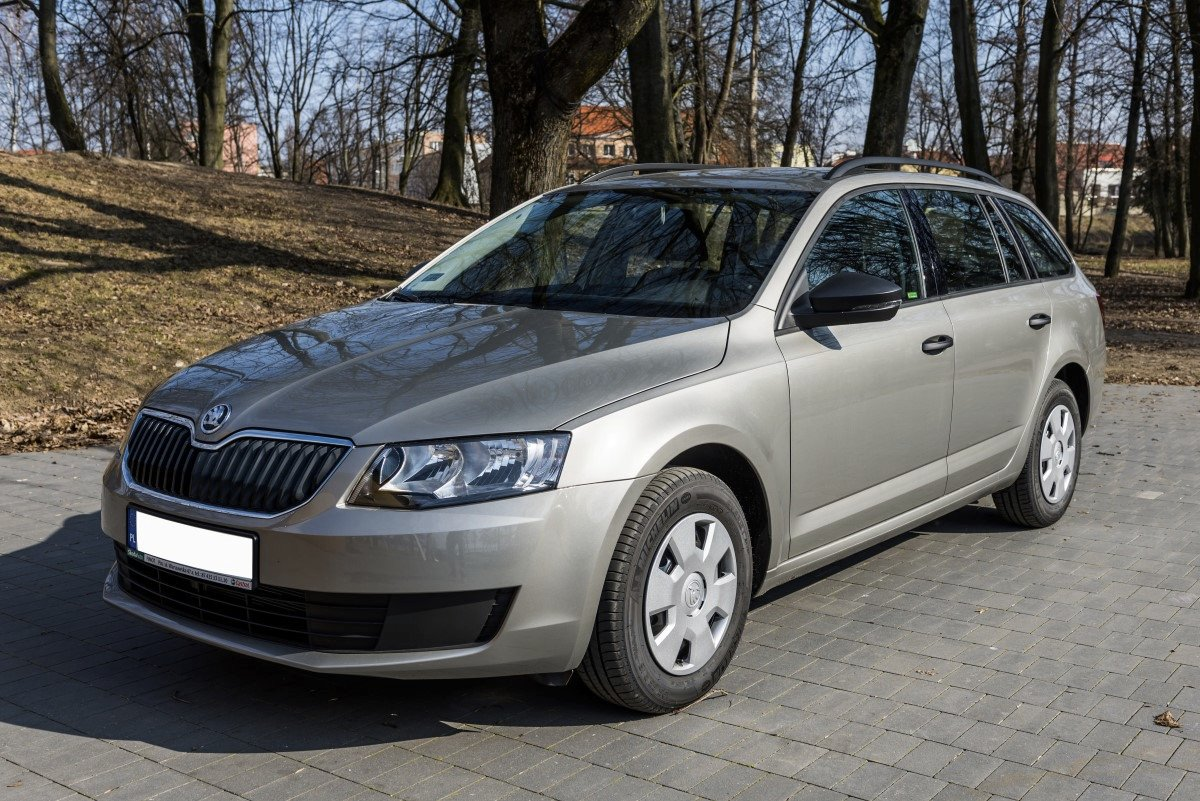 skoda octavia combi wypo yczalnia samochod w gi ycko warszawa krak w. Black Bedroom Furniture Sets. Home Design Ideas